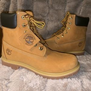 Women's Timberland Waterproof Boots 9